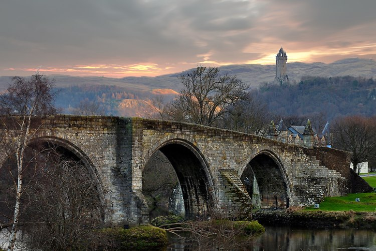stock-photo-4391383-stirling-old-bridge
